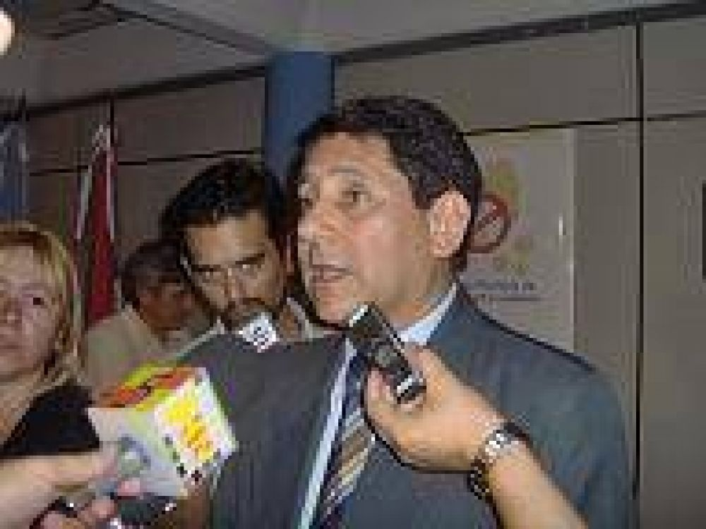 El Intendente Orlando Franco firmará convenio para la construcción de plazas integradoras.