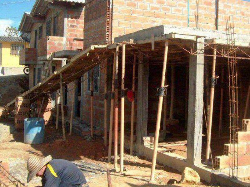 Se proyectan muchas casas, pero se dilata la conclusión de las obras