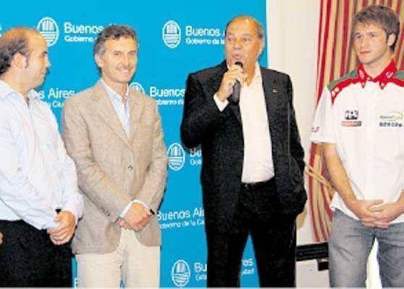 El TC presentó la carrera en Buenos Aires y lanza su libro.