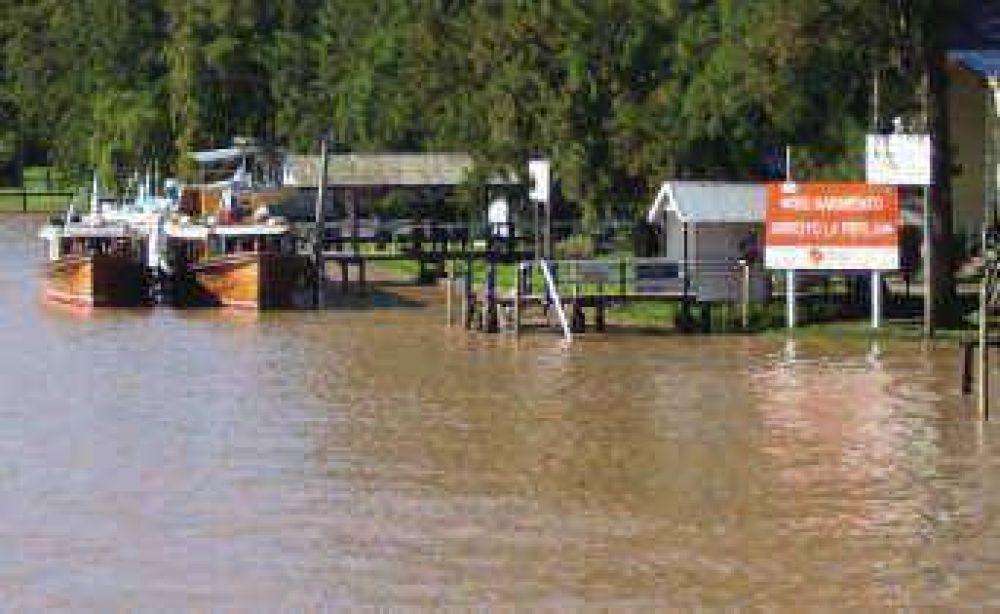 Además construyen nuevos muelles Señalizan vías navegables del Delta