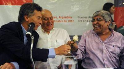 Moyano se mostr� con Macri y hasta brome� con una posible f�rmula