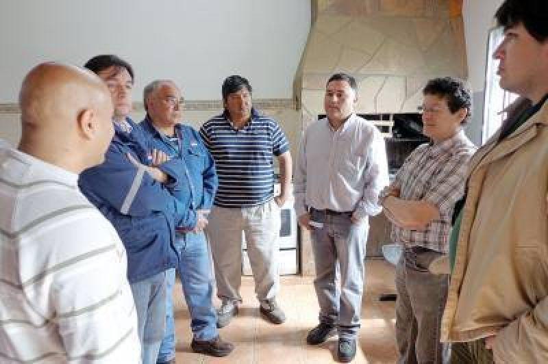 ATE pide destituci�n de Acosta de Servicios P�blicos