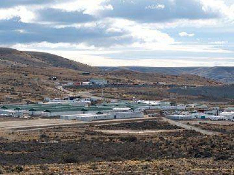 Fuerte reclamo de camioneros en el yacimiento Cerro Negro