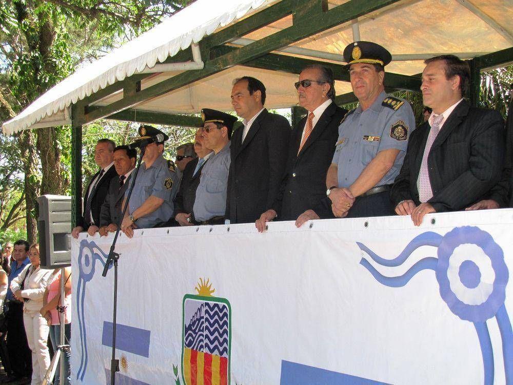 Ituzaingó: 62 policías juraron en la UR VI y el Gobierno Provincial alista obras para el puerto