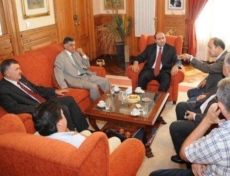 El PE asistirá a los municipios que están fuera del Pacto Social.