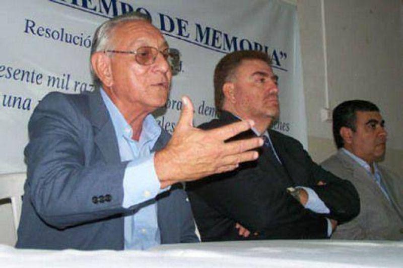 Ex presos políticos del proceso se reúnen en una fundación.