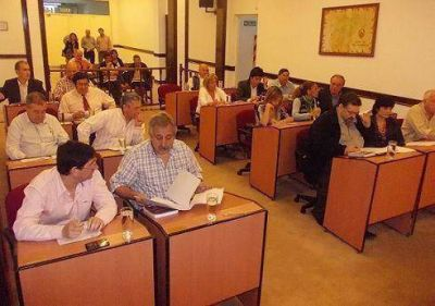 Debate por excepciones y donaciones en San Fernando
