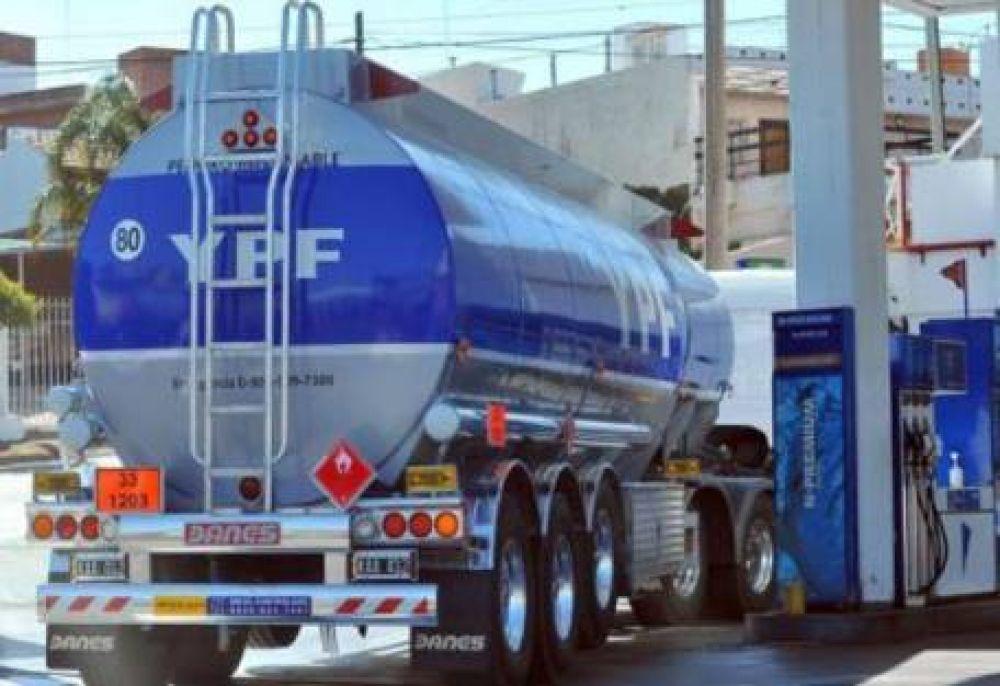 Camioneros acordaron y se normalizó el transporte en la planta de YPF en Villa Mercedes