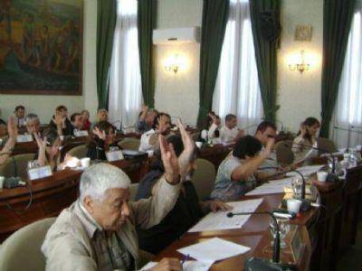 Concejo Deliberante: Entre el aumento de tarifas, abstenciones y obsecuencias