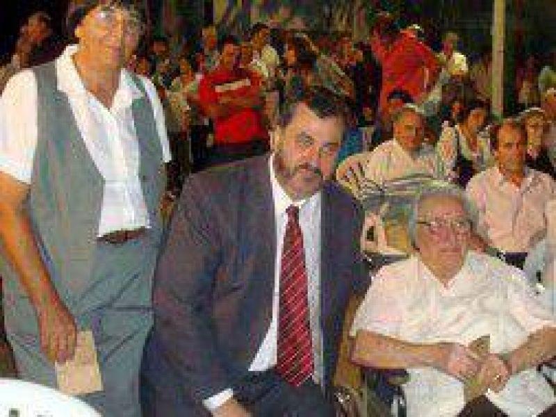 Leandro N. Alem: Intendente Conocchiari anunci� aumento de sueldo para municipales