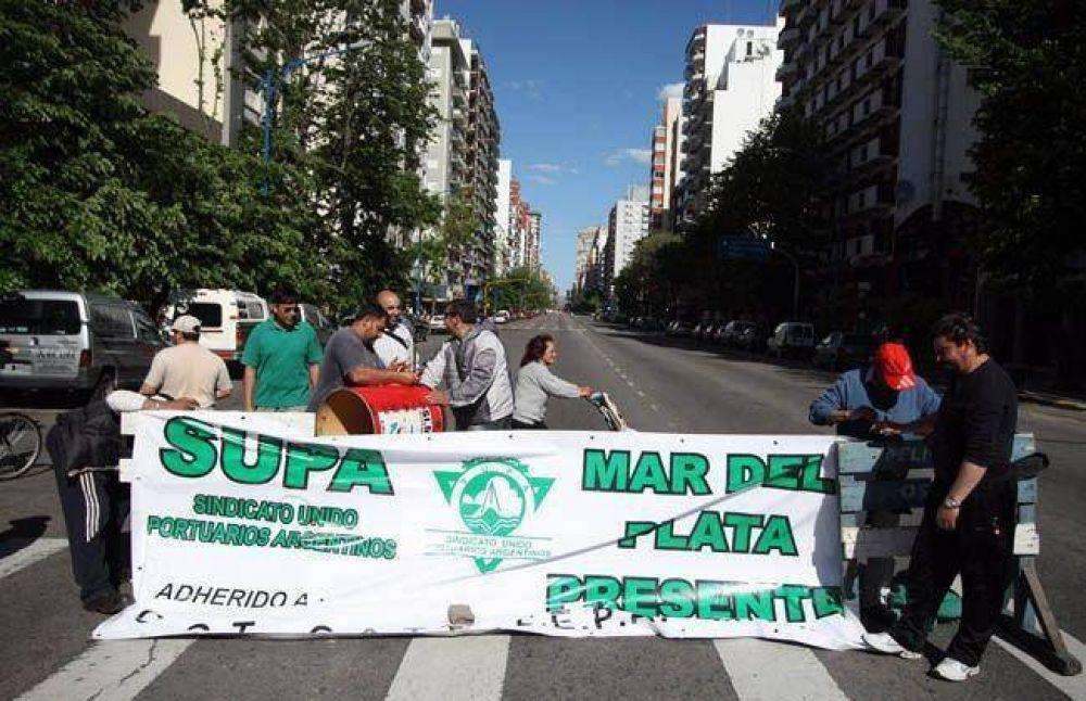 Estibadores protestaron contra las aseguradoras