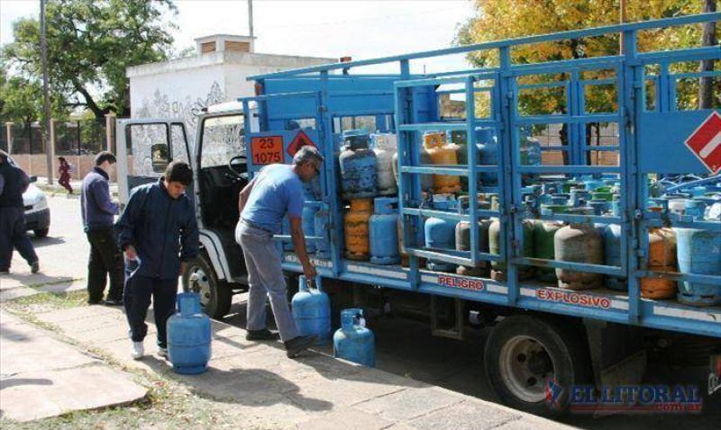 Petroleros comienzan un paro que afectará stock de garrafas
