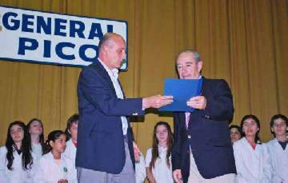 Se llevó a cabo el acto anual de entrega de distinciones que organiza Rotary