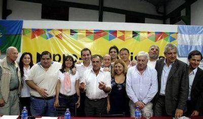 Legisladores apoyan candidatura presidencial de Macri