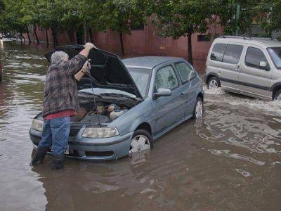 Casi 1800 evacuados por el violento temporal en la provincia de Buenos Aires