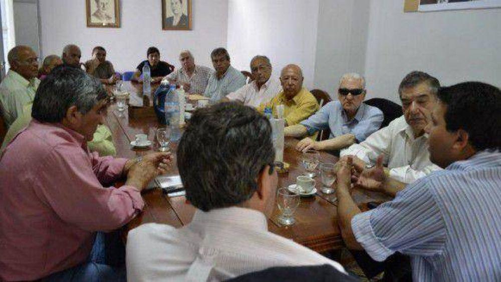 Sin respuestas del Gobierno, el Frente Intersindical saldrá mañana a cortar rutas