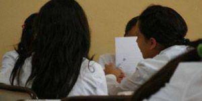 Gremios: desacuerdo por la intención de adelantar el inicio de las clases