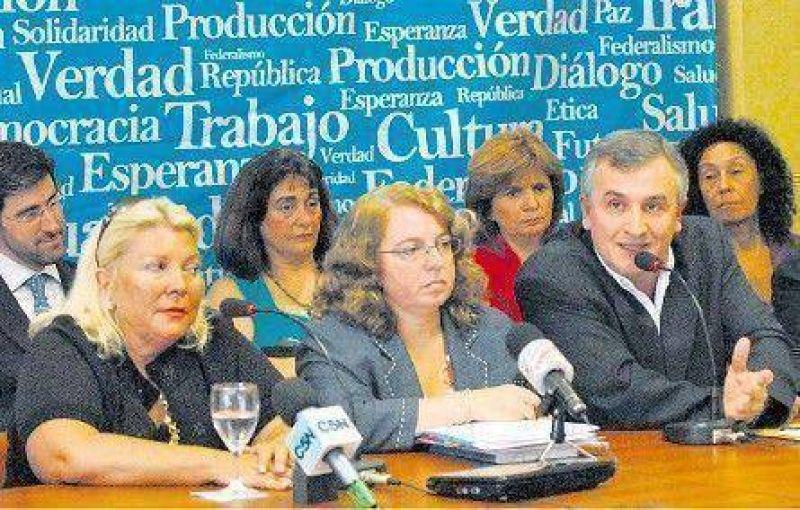 Carrió y la UCR rechazaron el plan oficial sobre radiodifusión