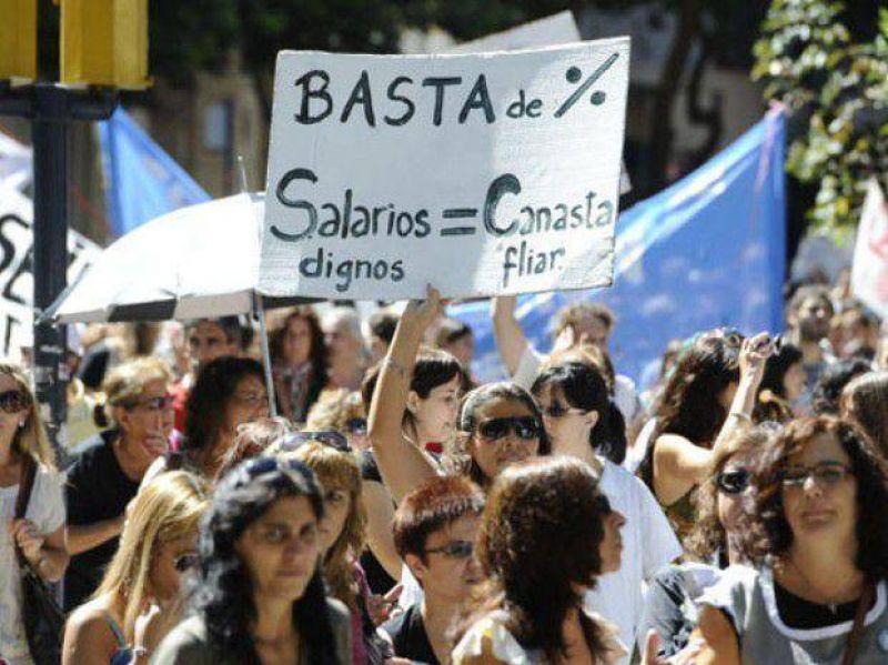 Amsafé Rosario amenaza con un conflicto si el gobierno no discute salarios