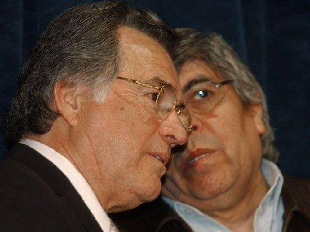 Barrionuevo y el moyanismo marchan por la deuda a las obras sociales