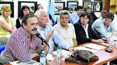 La oposición rechaza el polo y defiende a la Isla Demarchi