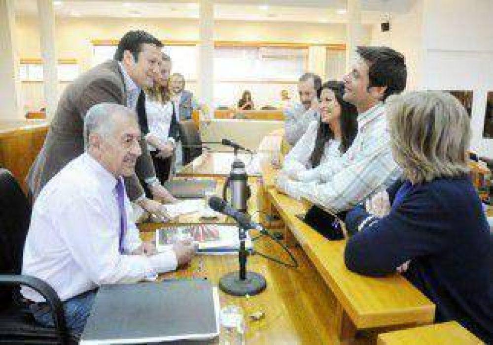 Sin debate político, los concejales pidieron informes sobre el derrumbe