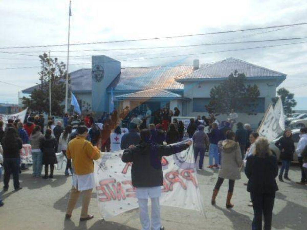 ATSA se manifestó por la ciudad y arrojaron huevazos a la delegación de la Legislatura