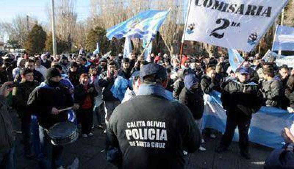 Si Peralta no cumple, los policías amenazan con volver a las mediadas de fuerza