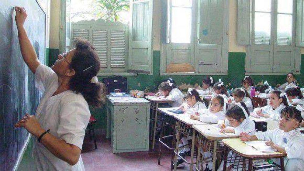 Los gremios docentes se oponen a que el ciclo lectivo 2013 arranque en febrero