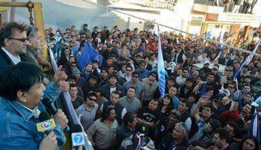Petroleros: Los trabajadores le doblaron el brazo a las operadoras y firmaron un acuerdo