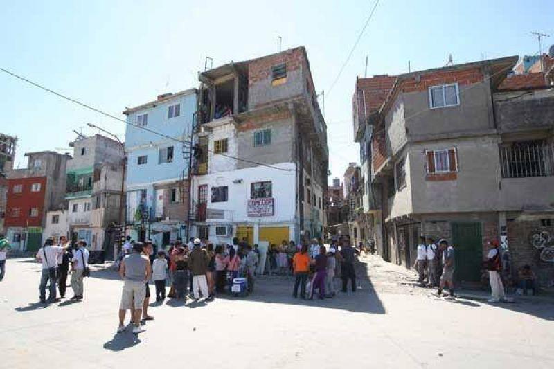 Entrarán por primera vez 500 censistas a la villa 31