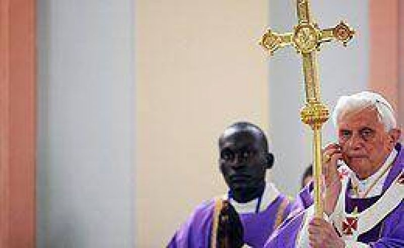 Las declaraciones de Benedicto XVI en Africa vuelven a desatar polémica