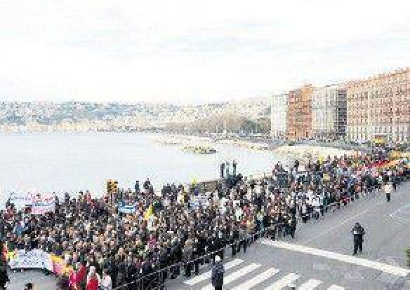 Masivo repudio a la mafia en Nápoles