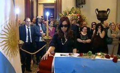 La Presidenta brindó el último adiós a Leonardo Favio
