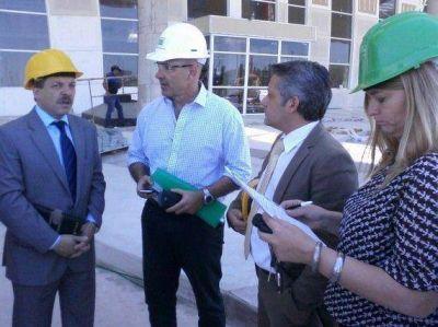 Ministros del Ejecutivo recorrieron la Estación de Interconexión Regional de Ómnibus