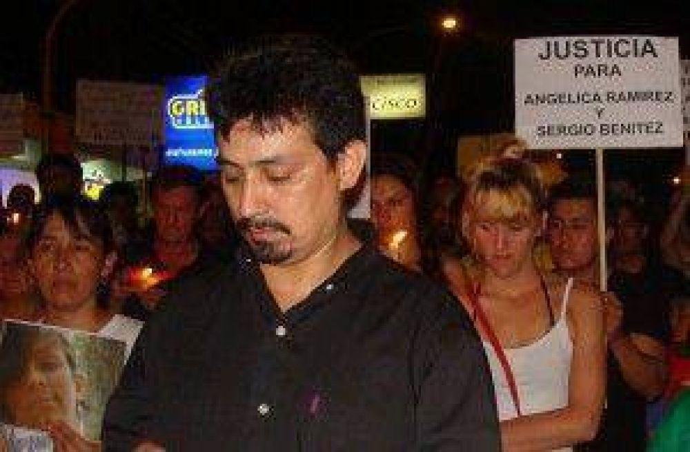 "El padre de Angélica denunció por ""estupro"" a dos testigos del caso"