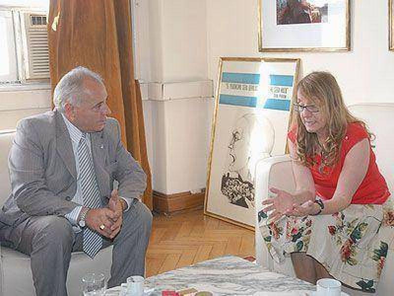 PRESIDENTE PERÓN | GESTIÓN    Regueiro se reunió con Alicia Kirchner
