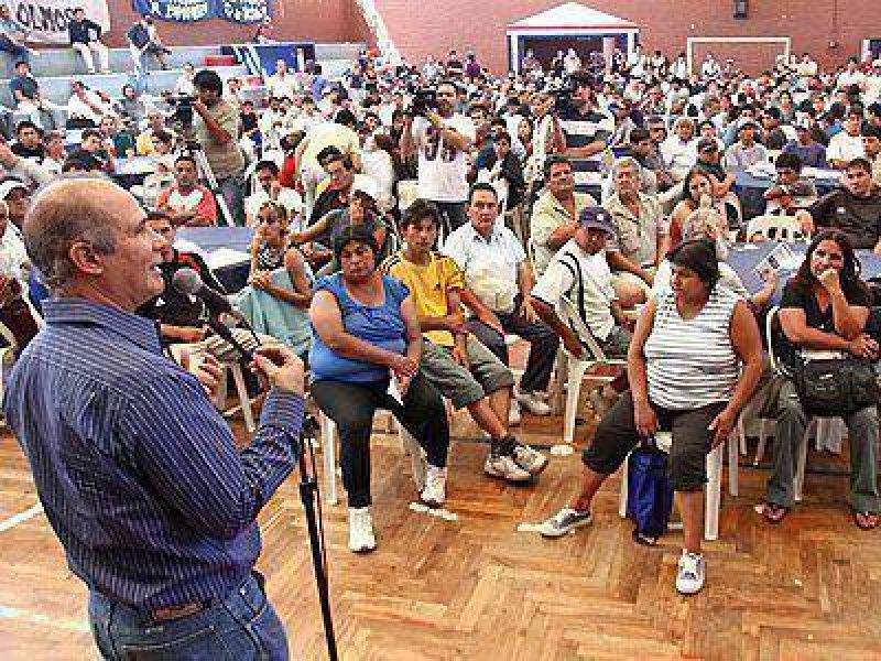 AVELLANEDA | GESTIÓN    Álvarez encabezó la apertura del Programa de Inversión Social