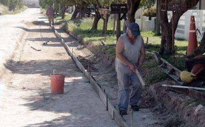 Retoman los trabajos para asfaltar las calles 502 y 506