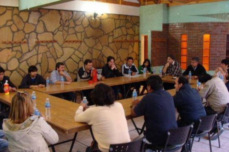 Este martes está previsto el encuentro de la MUS con el gobernador Daniel Peralta