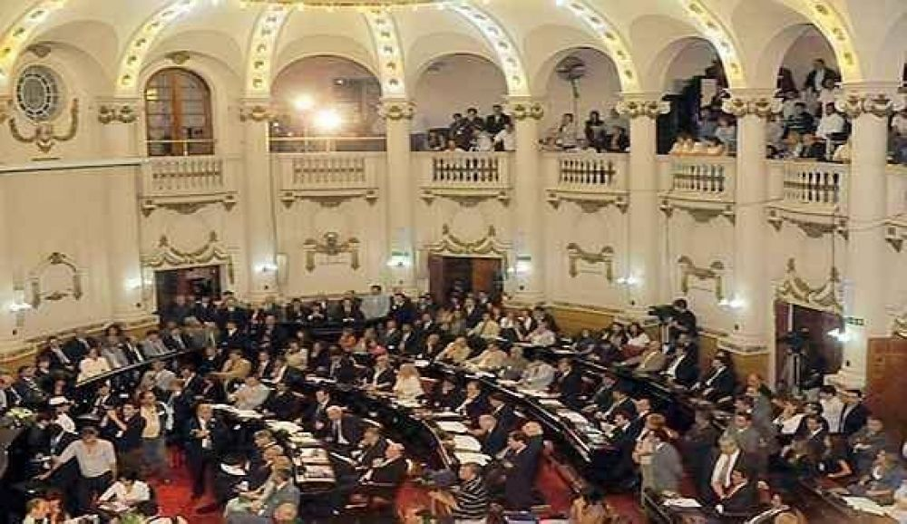 No van ni dos meses de sesiones y un legislador del PJ ya faltó a la mitad de sesiones y un legislador del PJ ya faltó a la mitad