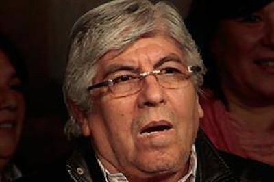 Hugo Moyano apuntó contra Flamarique al declarar en el juicio contra De la Rúa