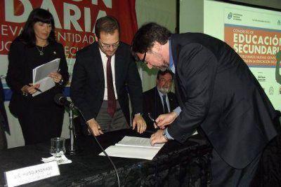 Avellaneda: la UNDAV firm� convenio en el marco del PROUN 2012