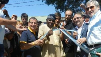 Corpacci presenció la inauguración del techo de la Escuela N° 3 y un Playón Deportivo