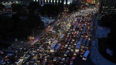Un apagón afectó media Ciudad y volver a casa fue un gran caos