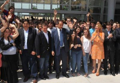 Pinamar: Scioli provocó al intedente de Mariotto mostrandose con Altieri