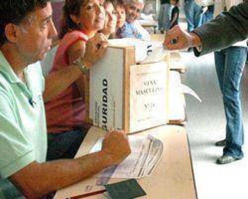 El 70% de los correntinos no quiere adelantar los comicios.