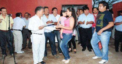 Destacan el trabajo de las cooperativas de viviendas de Chamical
