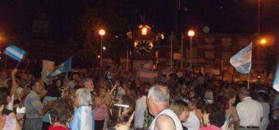 Cacerolazo: Tres mil personas se manifestaron en Carlos Paz
