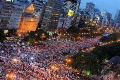 8N: Multitudinario cecerolazo contra el Gobierno Nacional